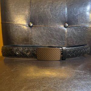Bottega Veneta Belt. Black leather. Size 34.